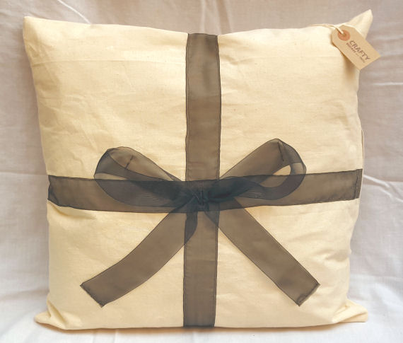 Natural Calico Bow Design Cushion with Zip